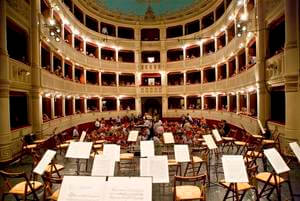 audience in Teatro Signorelli Tuscan Sun Festival 2008